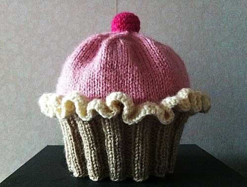 365 saker du kan slöjda »  342 Sticka sockersöta cupcake-mössan bddfc81a35169